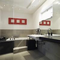 Modernes DESIGNBAD mit Wanne und Waschtisch
