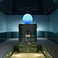 Großzügige Flächen aus Glas und Keramik sowie naturnahe Grüntöne prägen das Design des neuen Dampfbads. Foto: Hilpert GmbH & Co. KG