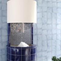 Eisbrunnen Alaska Mosaik. Willkommene Eis Abkühlung mit frischem Crasheis nach der Sauna!
