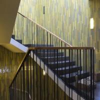 keramische Formteile in einem Treppenhaus