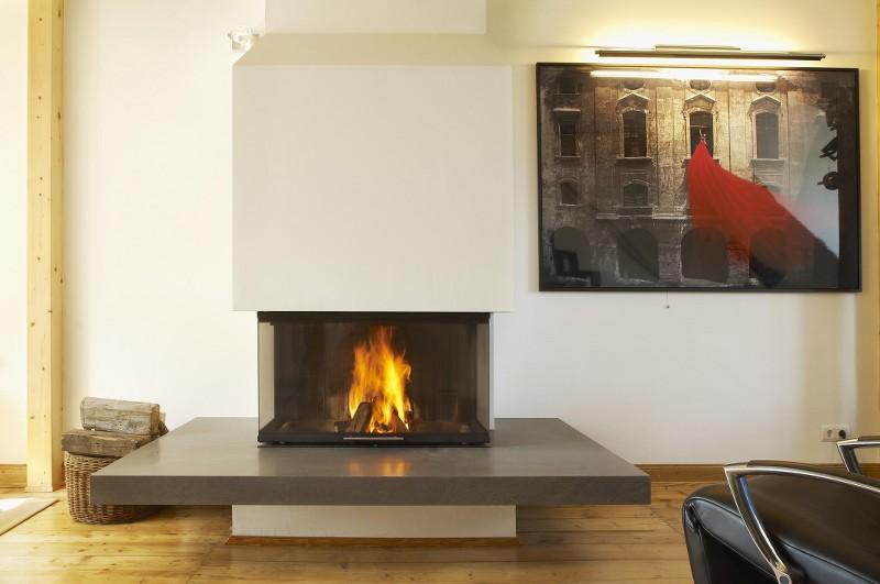 Moderner Kamin Mit Sitzbank Und Drei Glasseiten Hilpert Feuer Spa
