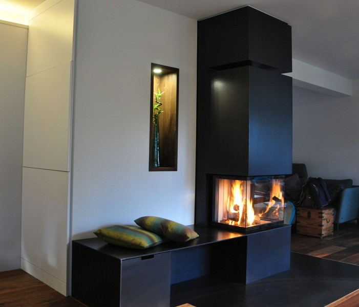 wir bauen ihren kachelofen kamin hilpert feuer spa. Black Bedroom Furniture Sets. Home Design Ideas