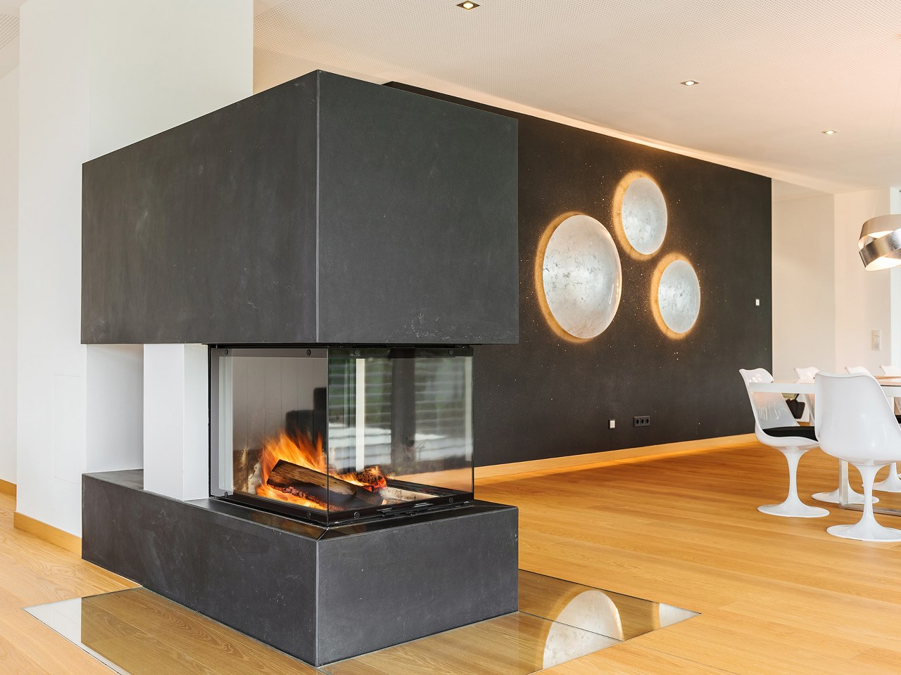 Design Kamin Raumtrenner Wohnzimmer Esszimmer Essen Hilpert