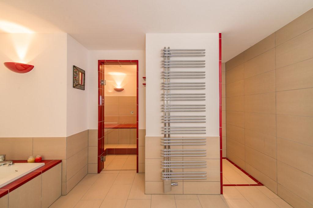 Privat-Spa PUG - Eigene Wellnessanlage zuhause Dampfbad Dusche