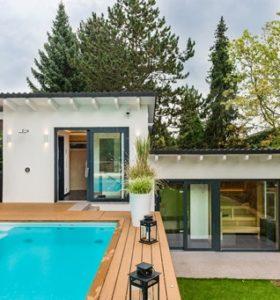 Gartenwelt – Grillkamin und Gartensauna: Wellness für Ihren Urlaub im Garten zuhause!
