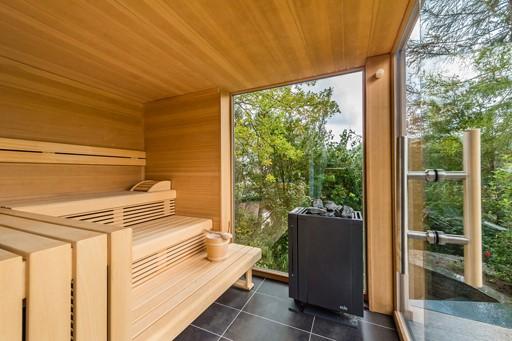 eigene private wellnessanlage im garten dampfbad sauna pool spa. Black Bedroom Furniture Sets. Home Design Ideas