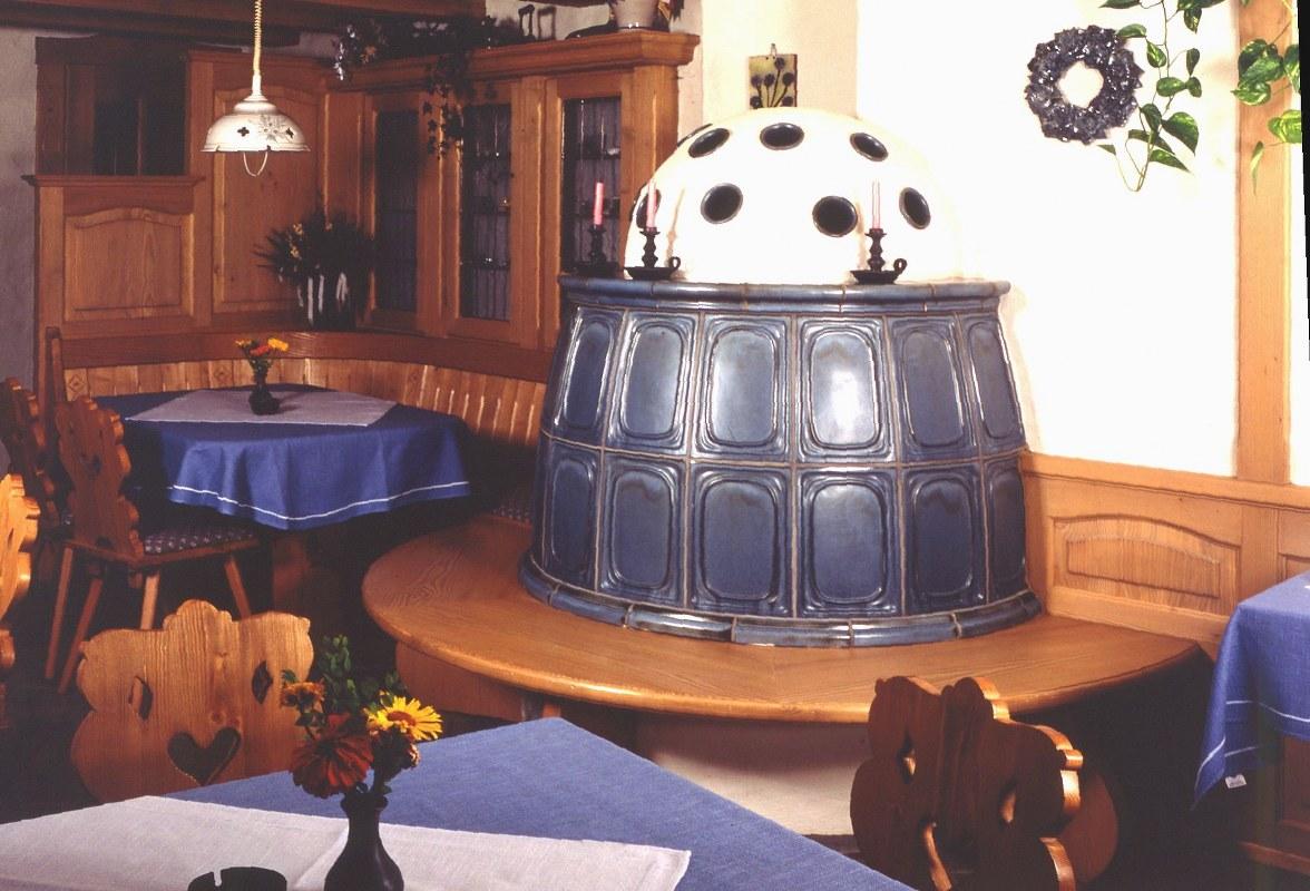 Kachelofen Kamin Rustikal Romantisch Fulda 13 Hilpert Feuer Spa