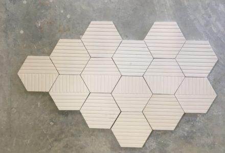 sechseckige Platten – hexagonaler Wandbelag aus Keramik