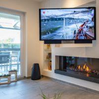Gaskamin-Fernseher-Wand-Wohnzimmer-Esszimmer-Wandnische-Vesa-Halterung