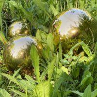 Brunnenfigur-Keramik-Goldkugeln-Keramikkugeln-Garten-goldfarbene-Glasur-Froschkoenig