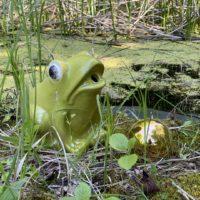 Brunnenfigur-Keramikfigur-Frosch-Wasserspeier Froschkoenig-Keramik-Garten-Teich-Brunnen